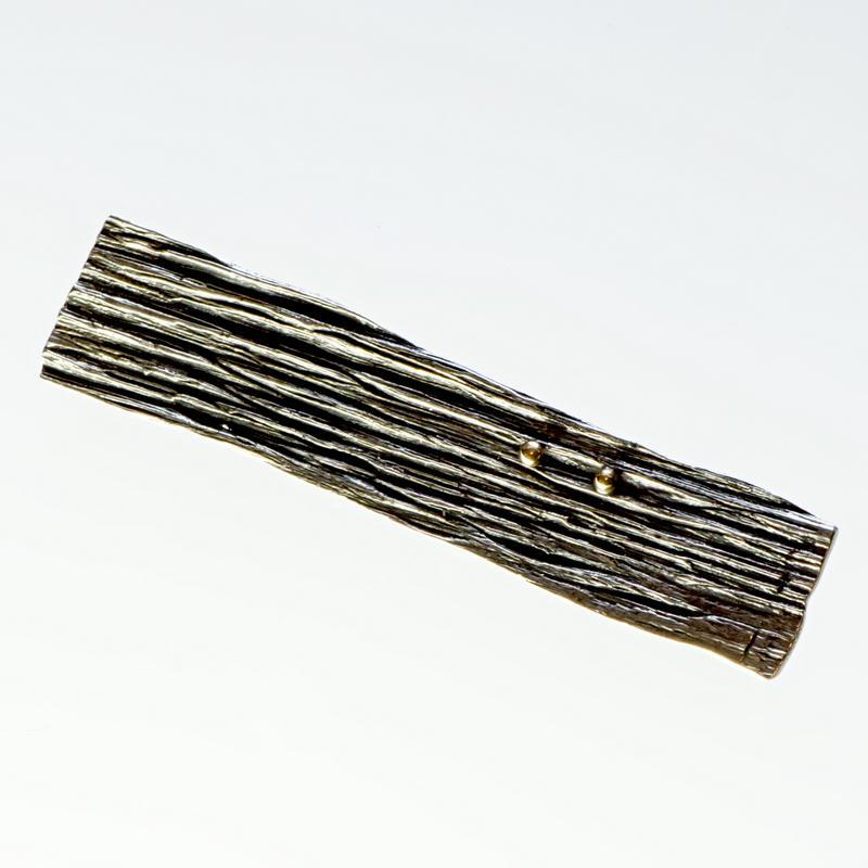 Srebrny broszko-wisior Podłużny ze złotymi kuleczkami