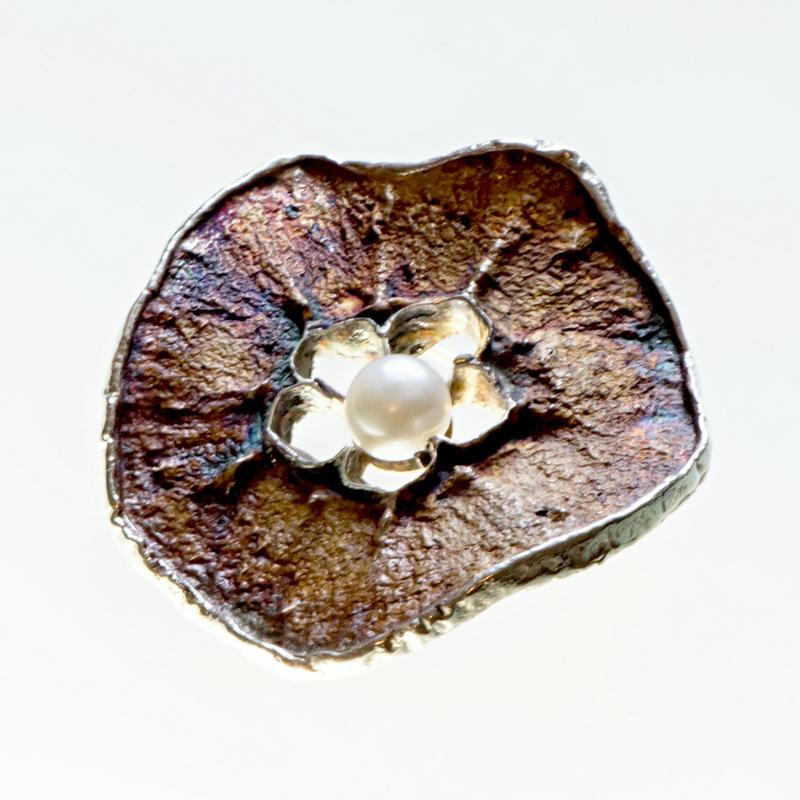 Srebrny broszko-wisior Jabłko Poprzeczne z perłą