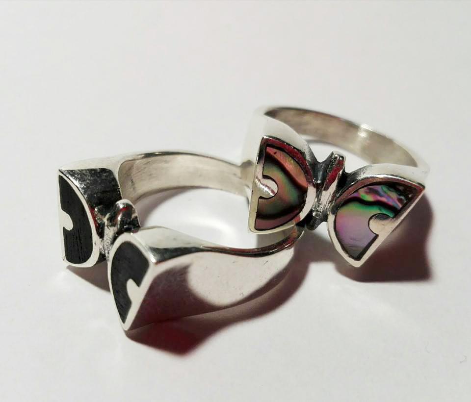 Srebrny pierścionek Motylek z masą perłową