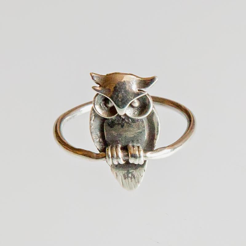 Srebrny pierścionek Sowa